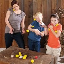 jugando danza del huevo